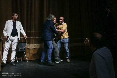 ضرب وشتم در جلسه انتخاب هیئت مدیره خانه تئاتر