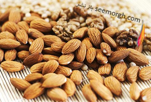 غذاهای مفید و مضر برای تیروئید آجیل ها