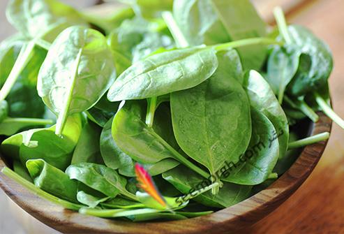غذاهای مفید و مضر برای تیروئید سبزیجات