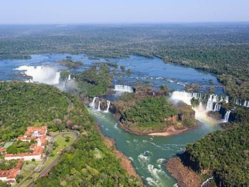 آبشار ایگواسو از نمای بالا