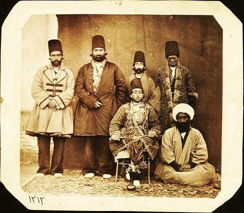 مظفرالدین میرزا در جمع بردگان، تصویر جوانی مظفرالدین شاه