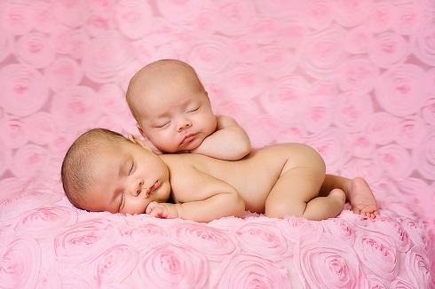 نوزاد,نوزاد خوابیده,دوقلوها