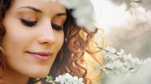 اهمیت مراقبت شبانه از پوست برای پیشگیری پیری زودرس، لبخند