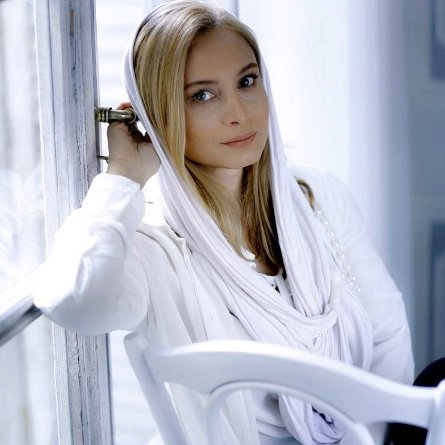 چهره مریم کاویانی به عنوان مدل آرایشی