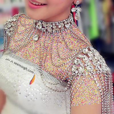ست کردن لباس عروس دکلته با گردنبند,لباس عروس,گردنبند عروس,لباس عروس دکلته,ست کردن لباس عروس دکلته با گردنبند