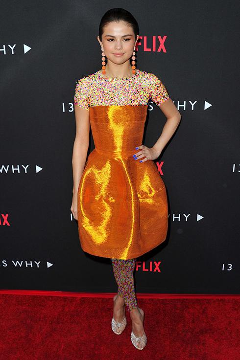 مدل لباس,مدل لباس سلنا گومز,سلنا گومز,مدل لباس به سبک سلنا گومز Selena Gomez - پیراهن دکلته کوتاه مسی