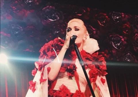 لباس گوئن استفانی در کنسرتش