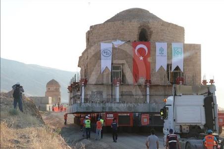 جابهجایی درسته یک ساختمان قدیمی در ترکیه