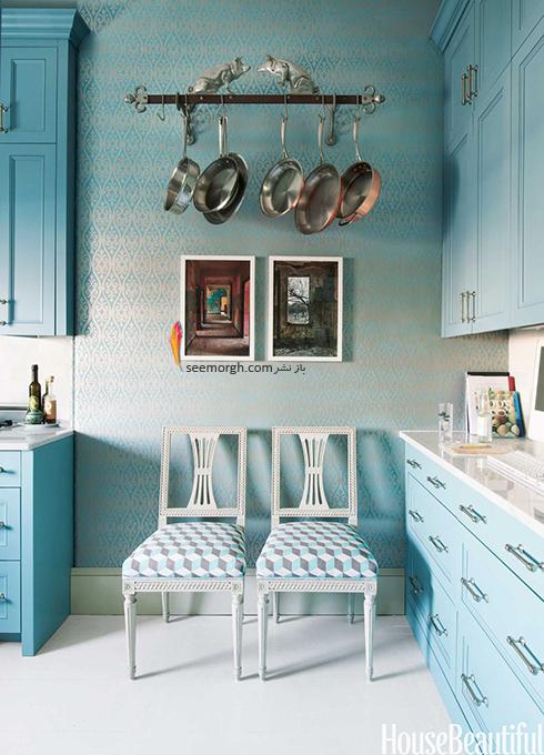 در آشپزخانه های کوچک تابه ها را آویزان کنید,دکوراسیون آشپزخانه,دکوراسیون آشپزخانه کوچک,چیدن دکوراسیون آشپزخانه های کوچک