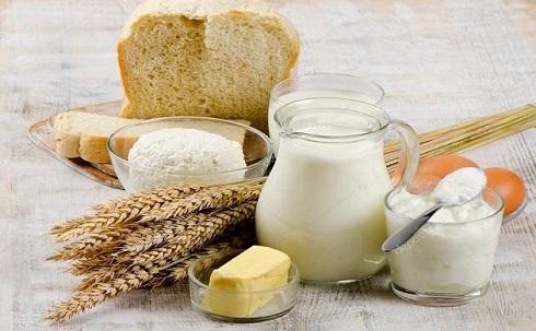 صبحانه، نان، شیر، گندم