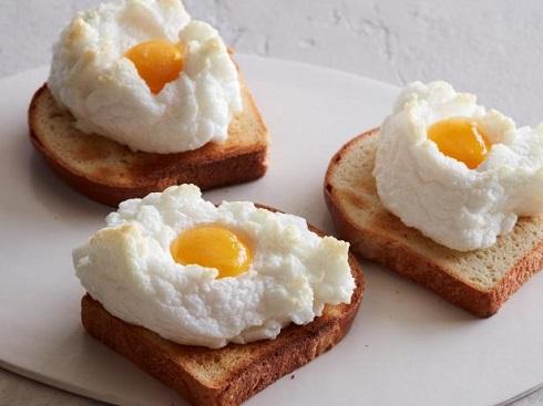 تخم مرغ صبحانه،نیمرو ابری