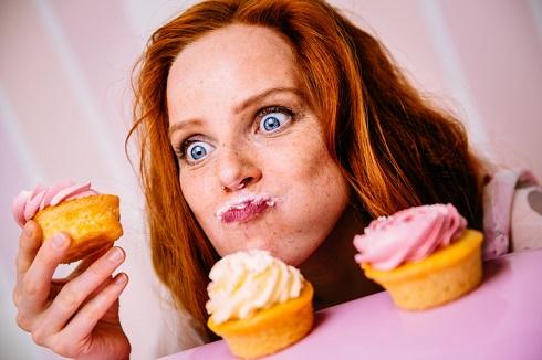 پرخوری،خوردن کاپ کیک