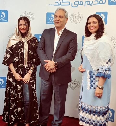 عکس یادگاری الهام پاوه نژاد و دخترش با مهران مدیری