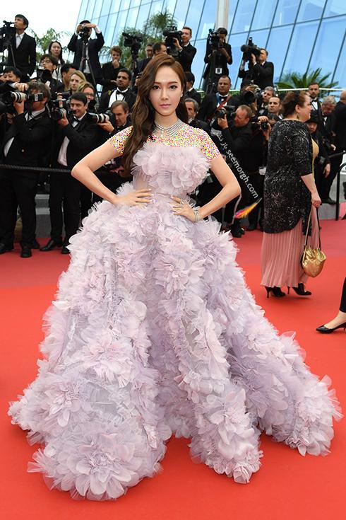 بهترین مدل لباس در جشنواره کن 2018 Cannes - جسیکا جانگ Jessica Jung,مدل لباس,جشنواره کن,جشنواره کن 2018,بهترین مدل لباس در جشنواره کن 2018,مدل لباس های برتر در جشنواره کن 2018