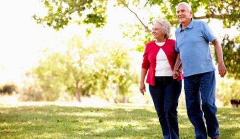 قدم زدن در پارک،پیاده روی سالمندان