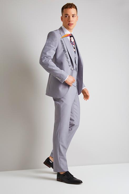 کت و شلوار دامادی 2018 طوسی روشن به پیشنهاد مجله مد Brides,کت و شلوار,کت و شلوار دامادی,انتخاب کت و شلوار,انتخاب کت و شلوار دامادی,جدیدترین مدل کت و شلوار,جدیدترین مدل کت و شلوار دامادی