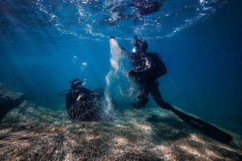 تور های کشنده در زیر دریا