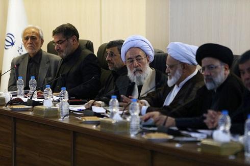 دردسرهای بی پایان حضور احمدی نژاد در مجمع+تصاویر