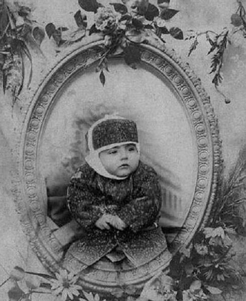 کودکی احمدشاه قاجار