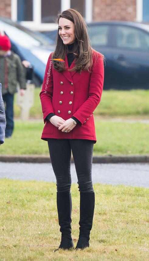 کت و شلوار,کت و شلوار کیت میدلتون,بهترین مدل کت و شلوار کیت میدلتون,بهترین مدل کت و شلوار کیت میدلتون Kate Middleton - کت زرشکی با شلوار مشکی