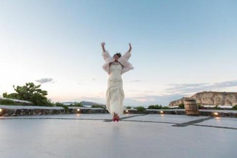 عروس تنها در مراسم ازدواج