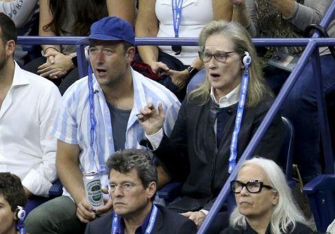 مریل استریپ در حال تماشای بازی تنیس اوپن آمریکا