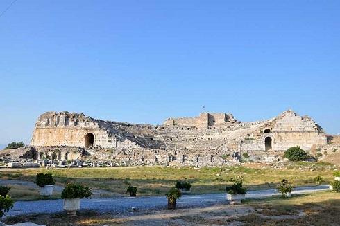 محوطه باستانی ترکیه,شهرهای تاریخی ترکیه,آثار باستانی ترکیه,سایت باستان شناسی ترکیه,سفر به ترکیه,گردشگری ترکیه,آثار تاریخی ترکیه
