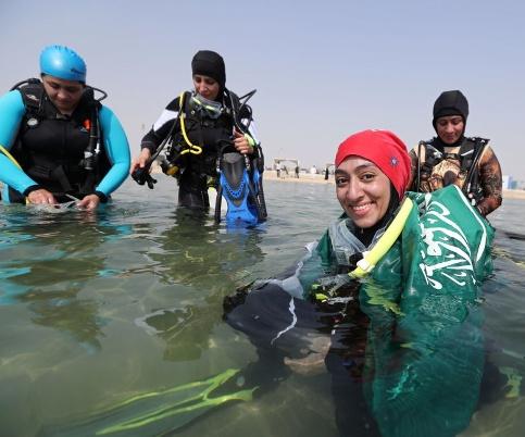 آموزش غواصی به زنان عربستانی 2