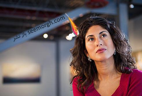 sharp_brain_woman_in_art_gallery.jpg