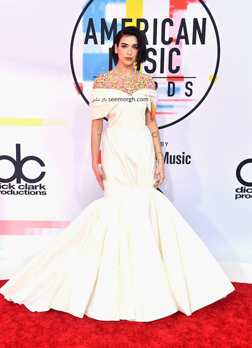مدل لباس,بدترین مدل لباس,بدترین مدل لباس در جوایز موسیقی آمریکا,بدترین مدل لباس در American music awards 2018 - دوآ لیپا Dua Lipa