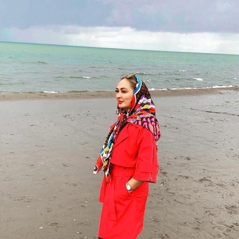 عکس جدید الهام حمیدی کنار ساحل