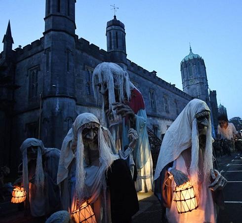 جشن هالووین,فلسفه جشن هالووین,هالووین چیست,گریم ترسناک برای هالووین,هالووین,گریم ترسناک جشن هالووین,جشن هالووین در ایرلند
