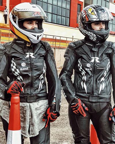 لیلا بلوکات در پیست موتورسواری 2