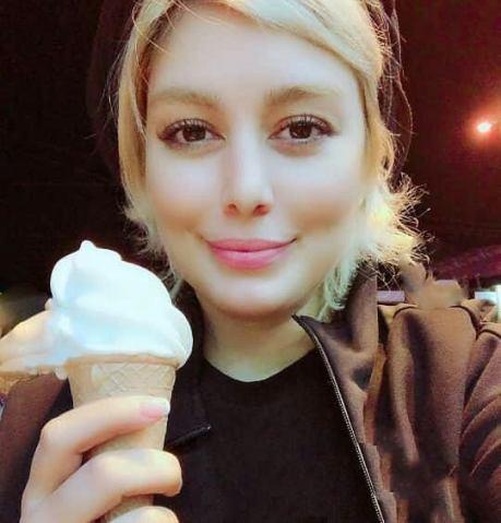 سحر قریشی درحال خوردن بستنی