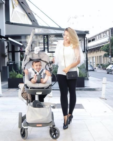 سروین بیات همسر رضا قوچان نژاد و پسرشان دوران