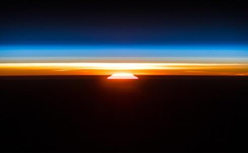 تصویری خیرهکننده از طلوع خورشید از ایستگاه فضایی