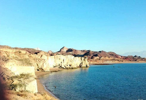 جزیره هرمز,سفر به جزیره هرمز,دیدنی های جزیره هرمز,سفر,ساحل هرمز