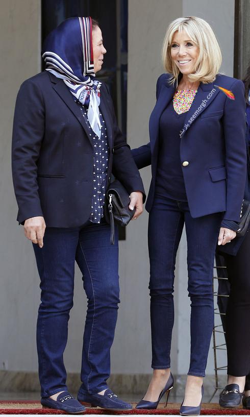 کت و شلوار,ست کردن کت و شلوار,کت و شلوار زنانه,ست کردن کت و شلوار برای پاییز,ست کردن کت سورمه ای با شلوار جین به سبک بریژیت مکرون Brigitte Macron