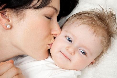 بوسیدن,بوسیدن نوزاد