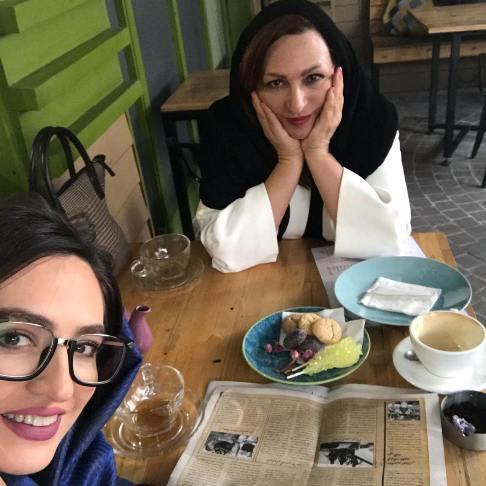 عکس جدید گلاره عباسی و مادرش