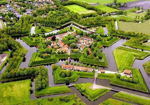 نمایی از روستای شگفت انگیز در هلند