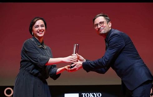 ترانه علیدوستی,ترانه علیدوستی در جشنواره توکیو,اهدا جایزه توسط ترانه علیدوستی,ترانه علیدوستی داور جشنواره توکیو