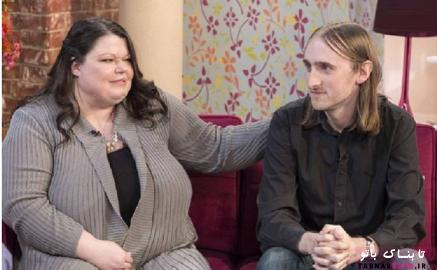 زن 43 ساله در کنار همسرش