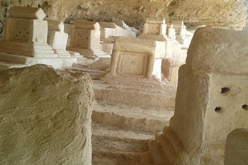 قبرستان پر رمز و راز هفتاد ملا در زاهدان