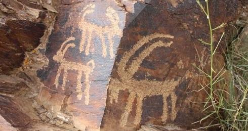 حکاکی روی سنگ در یزد با قدمت 3500 ساله