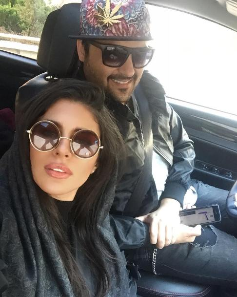 سلفی مهدی سلوکی و همسرش در اتومبیل شان
