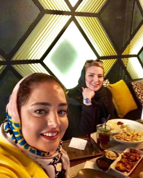 عکس نرگس محمدی در رستوران فرزاد فرزین