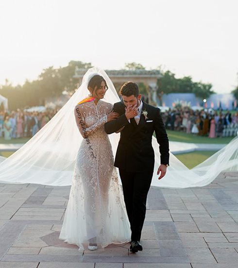 مراسم عروسی,مراسم عروسی پریانکا چوپرا,ازدواج,ازدواج پریانکا چوپرا,نیک جوناس,پریانکا چوپرا و نیک جوناس,لباس عروس پریانکا چوپرا Priyanka Chopra از طراحی های رالف لورن Ralph Lauren