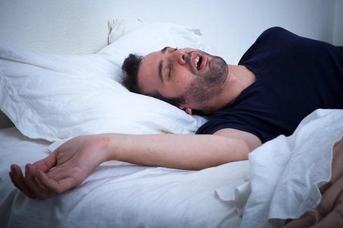 مرد خوابيده