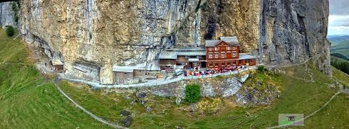هتل سوئیس,هتل در دل کوه,هتل زیبا در دل کوه,مخوفترین هتل,زیباترین هتل,جالترین هتل